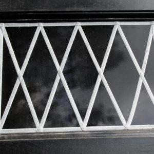 Apex Surrey Lite (DLW) Georgian with windows in Black Woodgrain