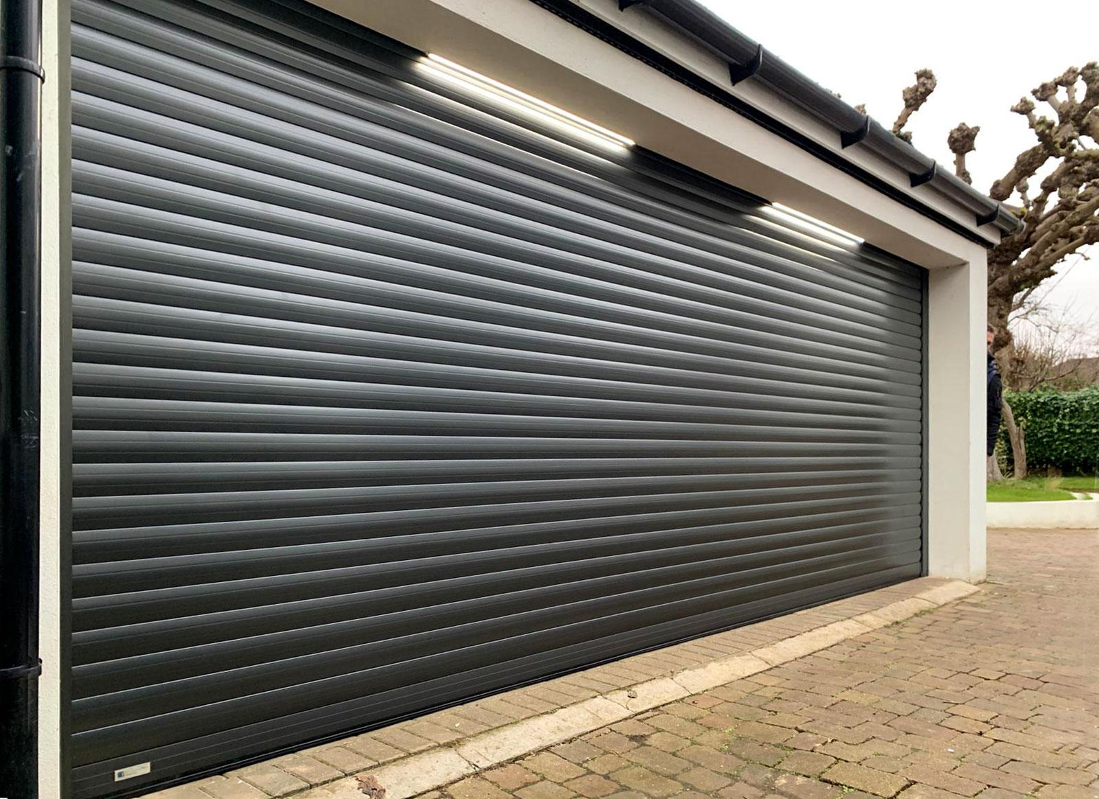 SWS Seceuroglide Classic Roller Garage door in Graphite