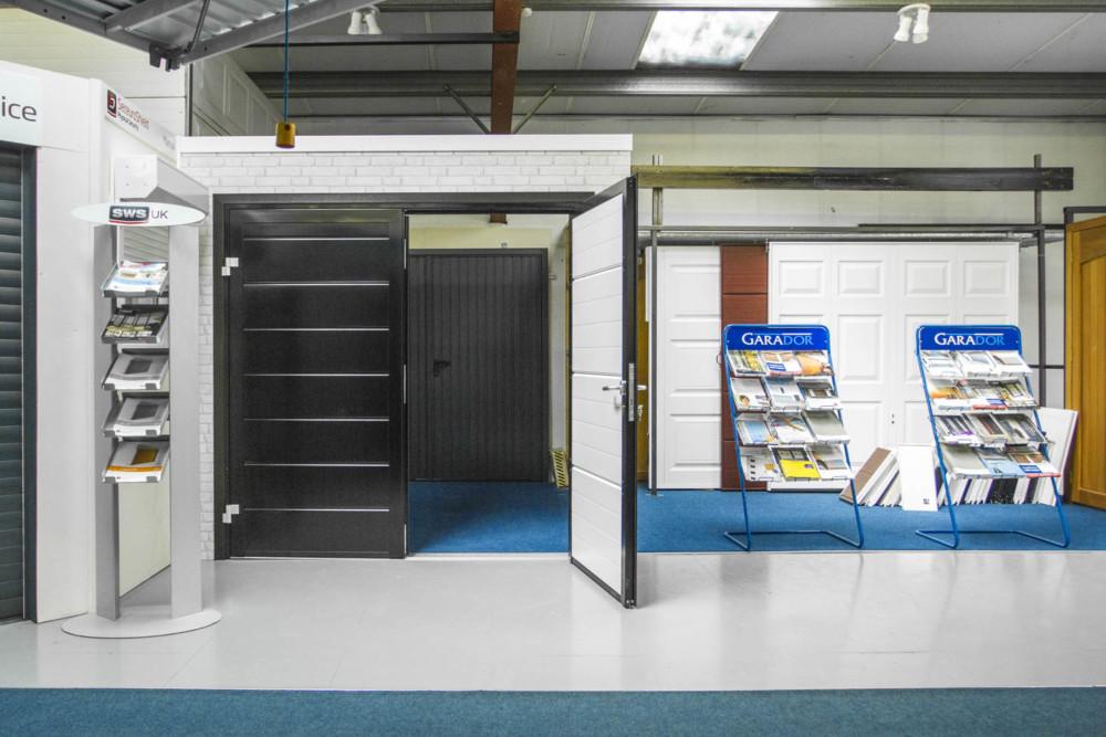 Upminster Showroom 01708 227042 Access Garage Doors & Sws Roller Garage Doors - Fluidelectric